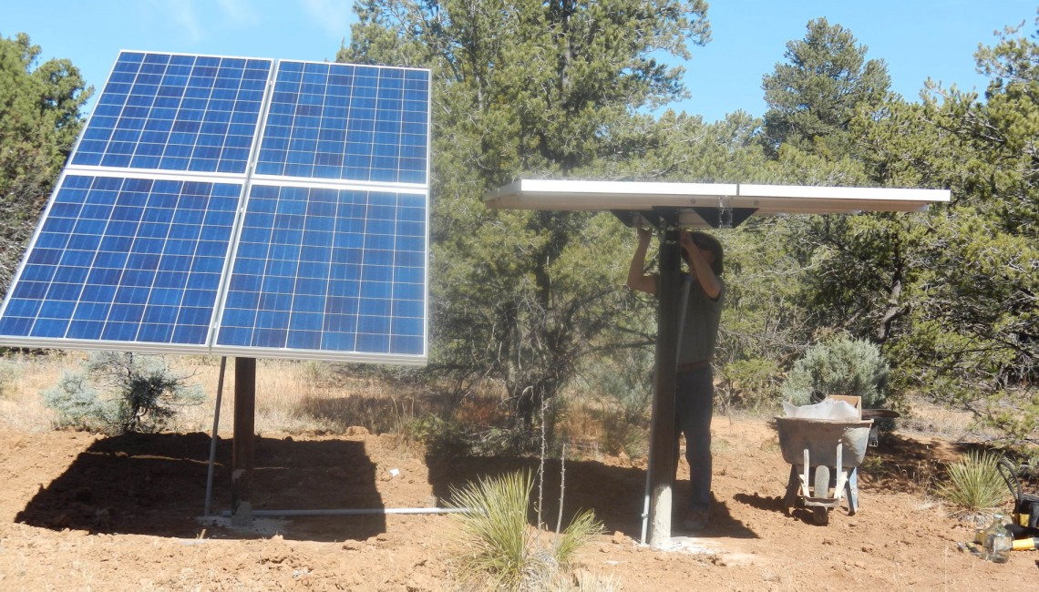 off-grid-straw-bale-home-solar-panels
